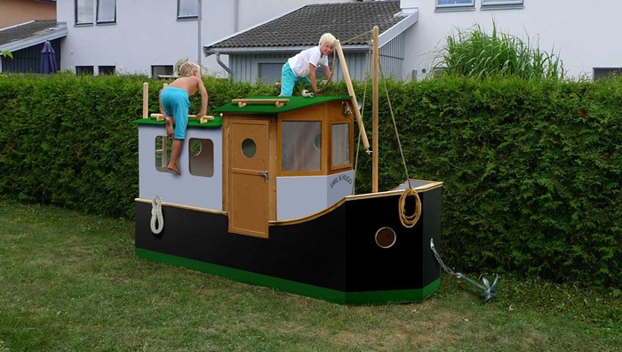 Garden playboat