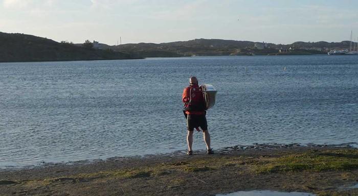 Hård byig vind, lågvatten och lerig strand – ingen bra kombination