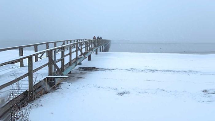 Bjerreds Saltsjöbad i ymnigt snöfall